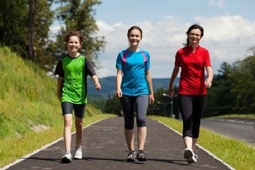 đi bộ có giúp giảm mỡ bụng không