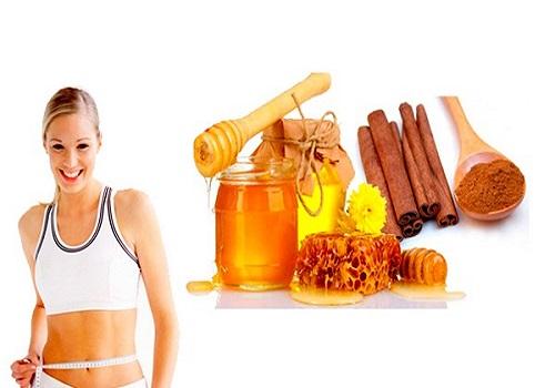 Cách giảm béo mặt bằng mật ong và bột quế