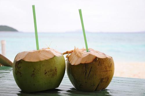 uống nước dừa hàng ngày có tốt không, có tác dụng gì
