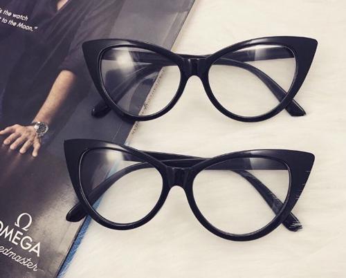 mặt tròn đeo kính gì đẹp