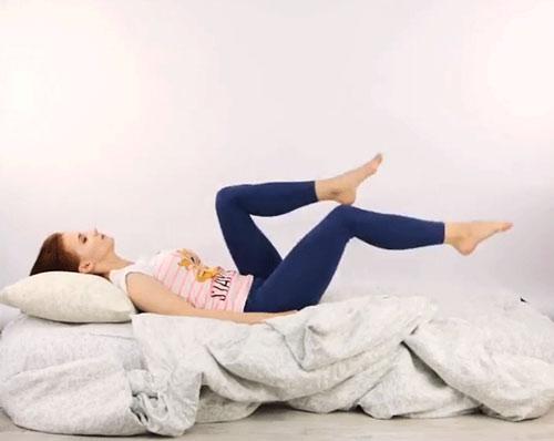 bài tập giảm mỡ trên giường