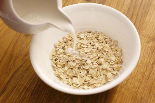 giảm cân bằng yến mạch và sữa