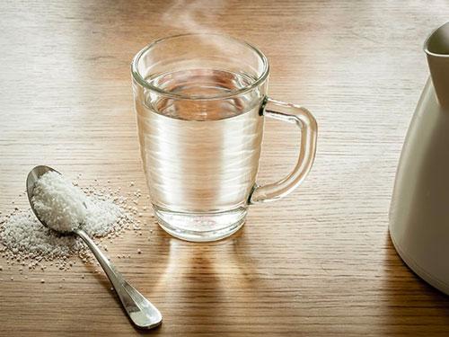 uống nước muối giảm cân
