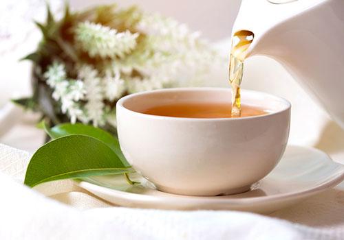 uống trà đá đường có tốt không